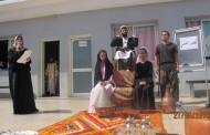 تلاميذ الثالثة ثانوي إعدادي يبدعون في مسرحية تطور الشعر العربي
