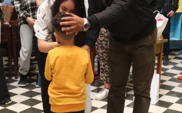 علينا كسوتهم: قبلة محبة من أبناء المواطنة للأيتام بمناسبة عيد الفطر